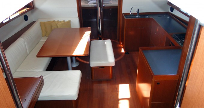Boat rental Bénéteau Oceanis 48 in Naples on Samboat
