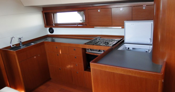 Rental Sailboat in Naples - Bénéteau Oceanis 48