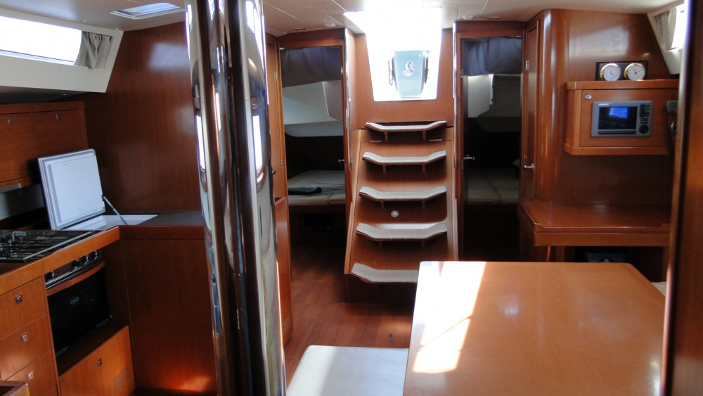 Bénéteau Oceanis 48 between personal and professional Naples