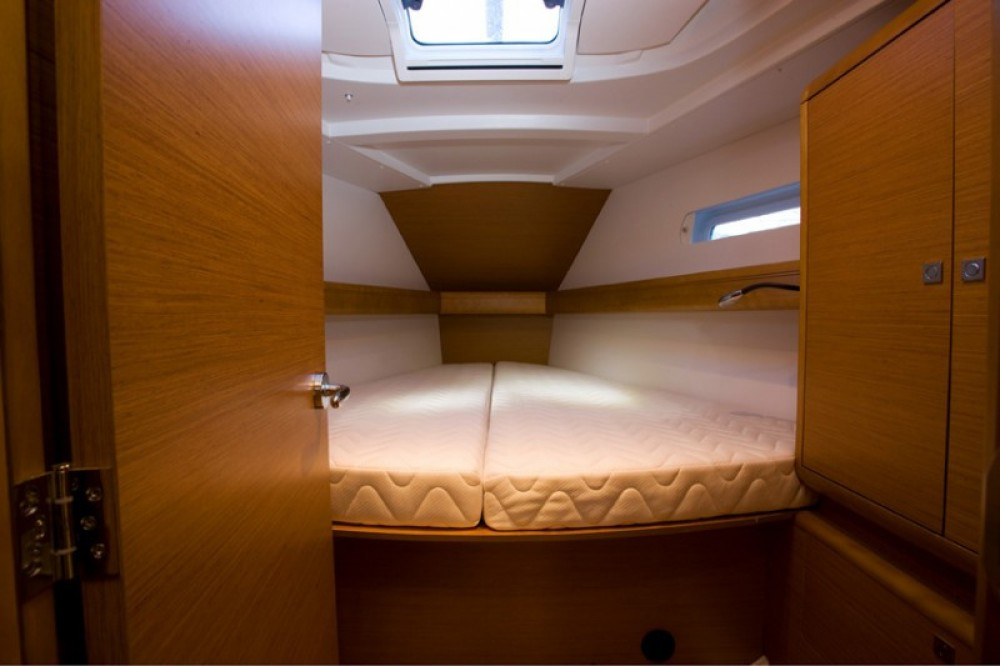 Jeanneau Sun Odyssey 449 between personal and professional Naples
