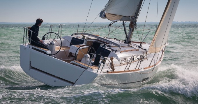 Dufour Dufour 360 Liberty between personal and professional Kotor