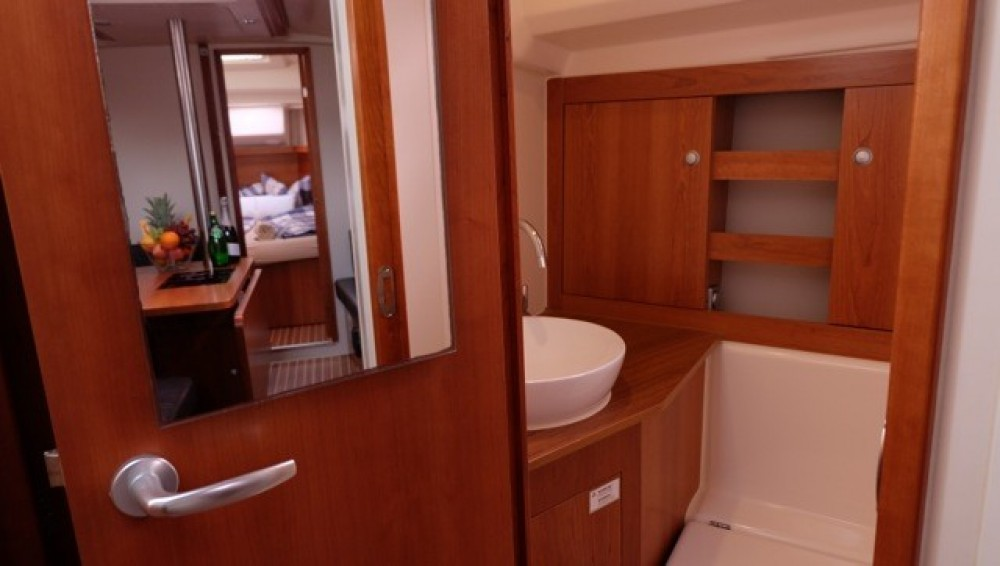 Rental Sailboat in Palma - Hanse Hanse 385