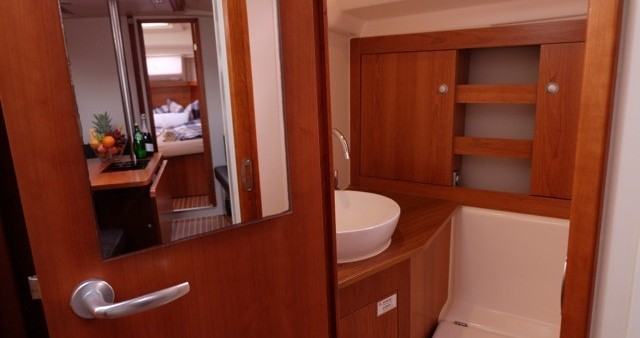Rental Sailboat in Palma de Mallorca - Hanse Hanse 385