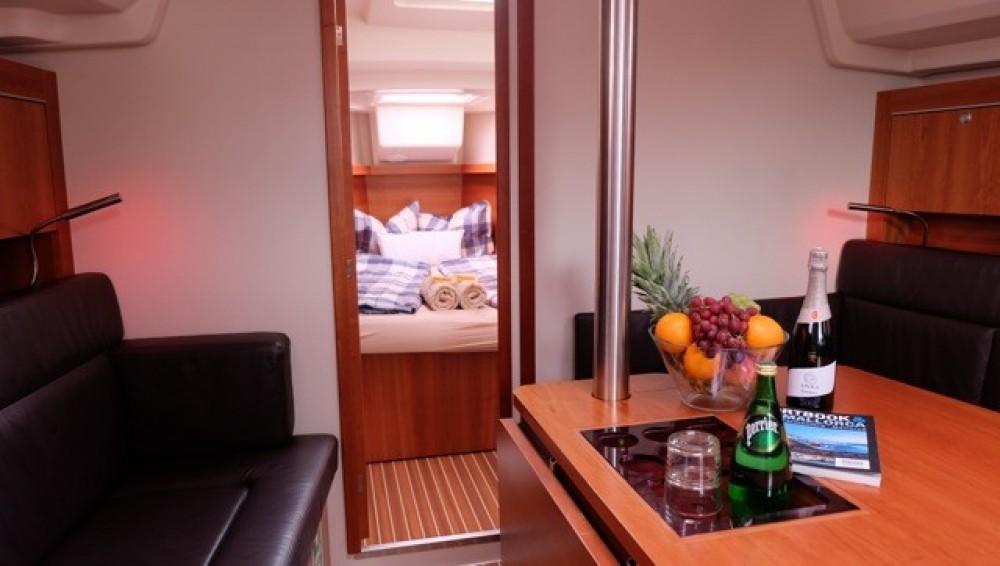 Rental yacht Palma - Hanse Hanse 385 on SamBoat