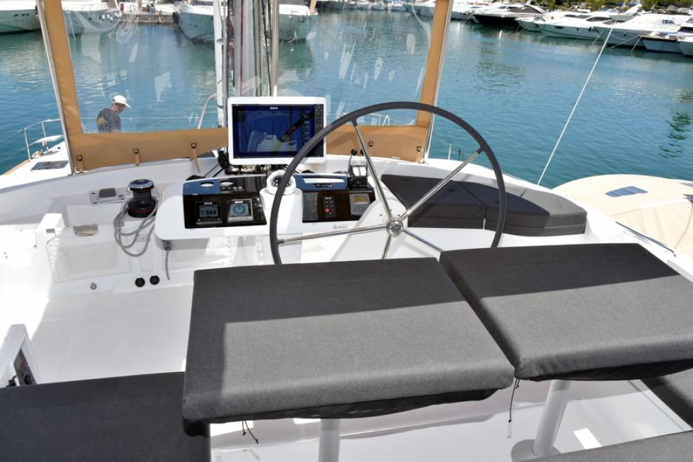 Boat rental Palma cheap Lagoon 52