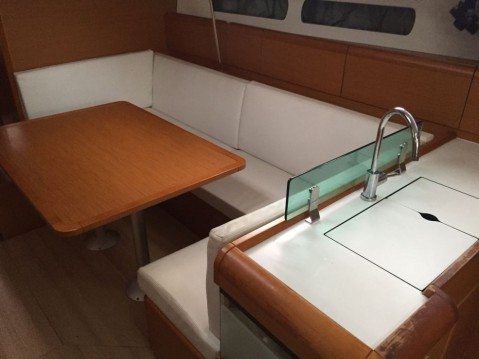 Rental Sailboat in Palma - Jeanneau Sun Odyssey 449