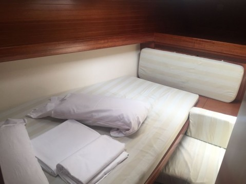 Rental yacht Roses - Dufour Dufour 40 on SamBoat