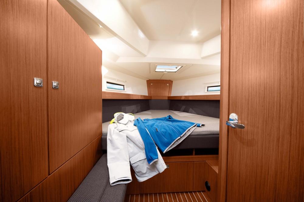 Rental yacht Roses - Bavaria Bavaria 41 on SamBoat