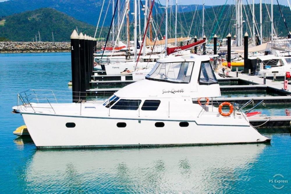 Rental Catamaran Boston Whaler with a permit