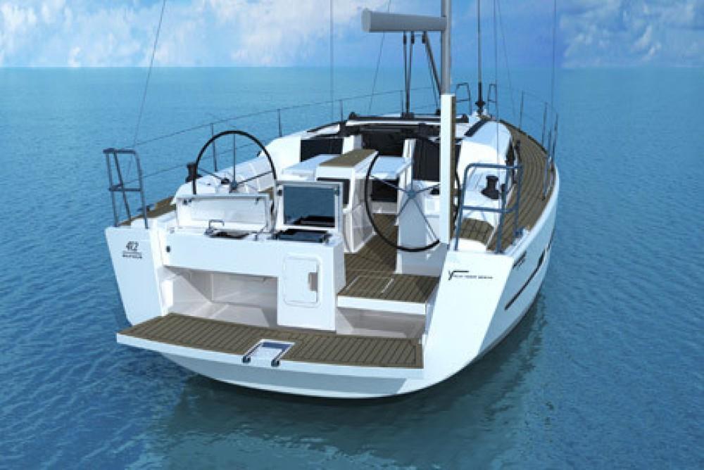 Boat rental Airlie Beach cheap Dufour 412