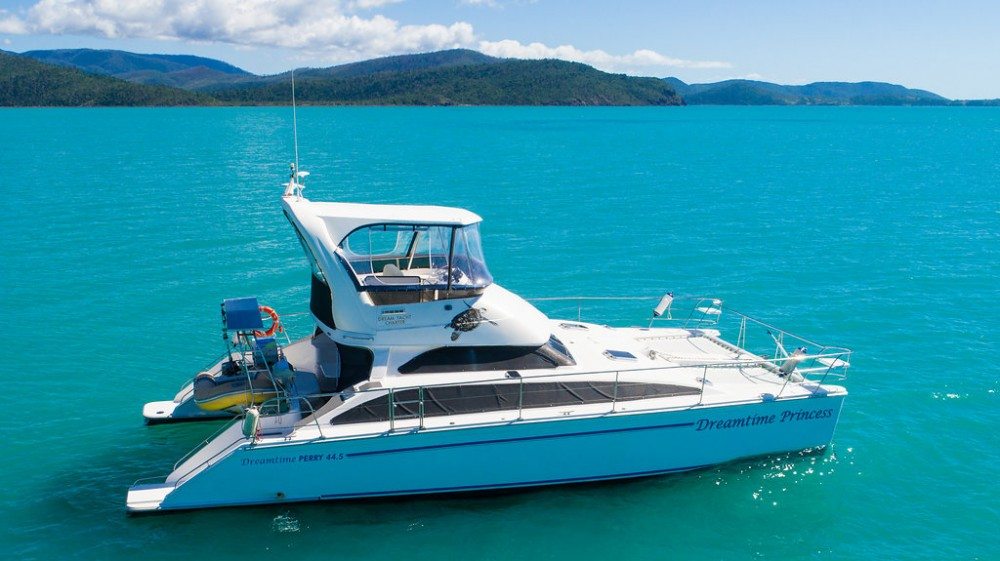 Perry-Power-Catamaran Perry 44.5 PC between personal and professional Airlie Beach