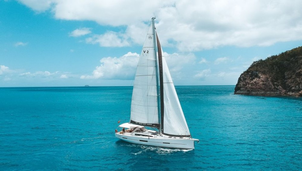 Hire Sailboat with or without skipper Dufour Airlie Beach