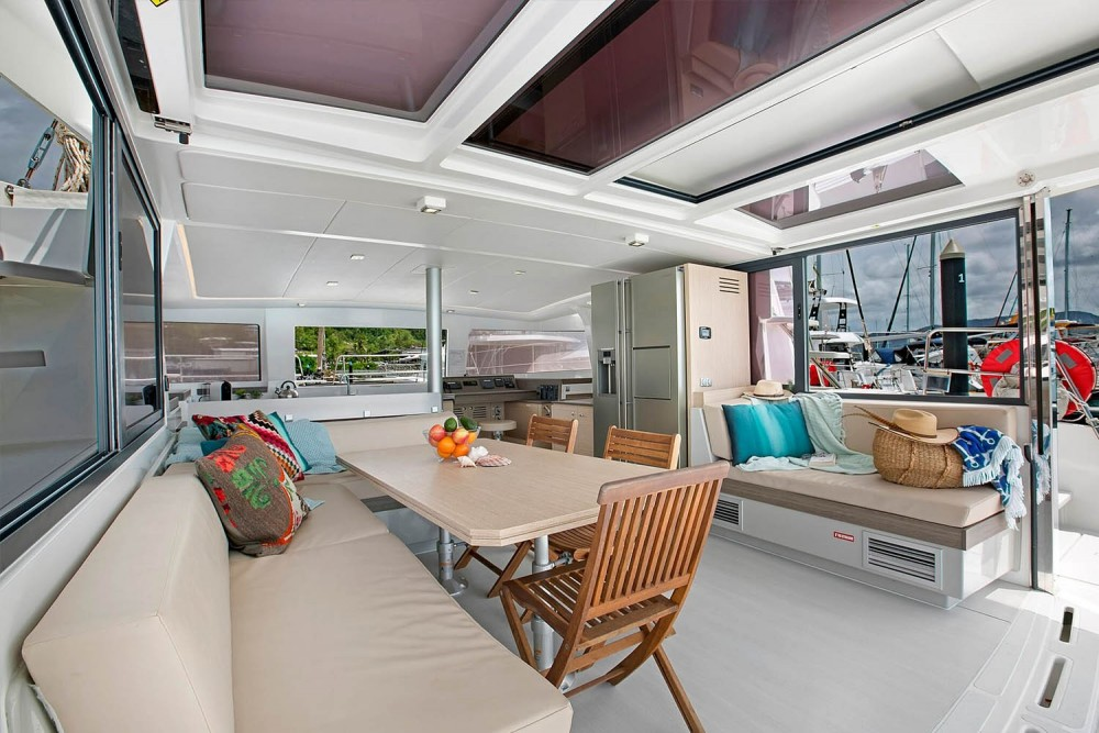Rental yacht Airlie Beach - Catana Bali 4.3 on SamBoat