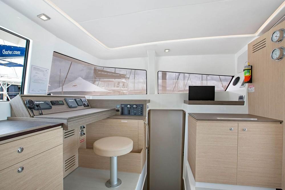 Rental Catamaran in Airlie Beach - Catana Bali 4.3