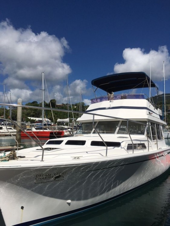 Boat rental Airlie Beach cheap Fairway 36