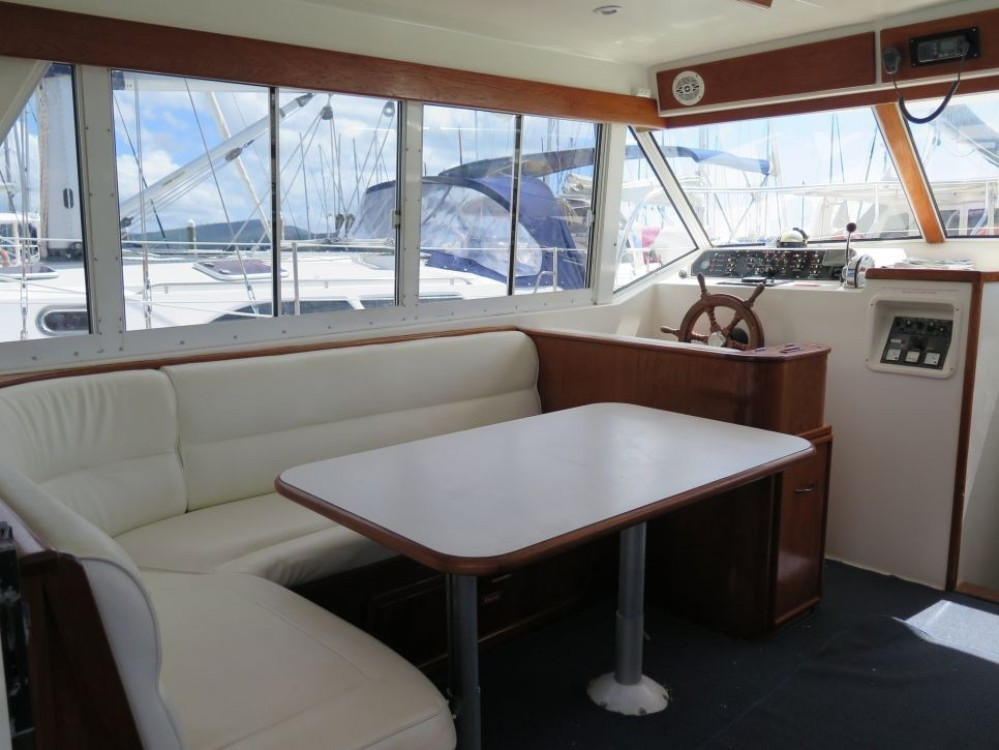 Hire Motor boat with or without skipper Fairway Airlie Beach