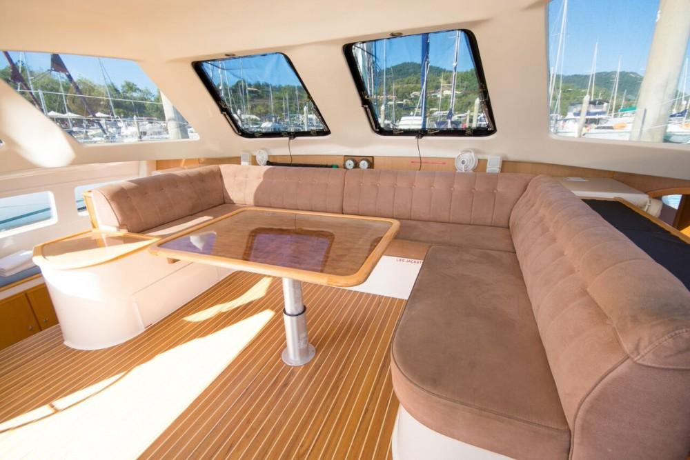 Rental Catamaran in Airlie Beach - Seawind Seawind 1160