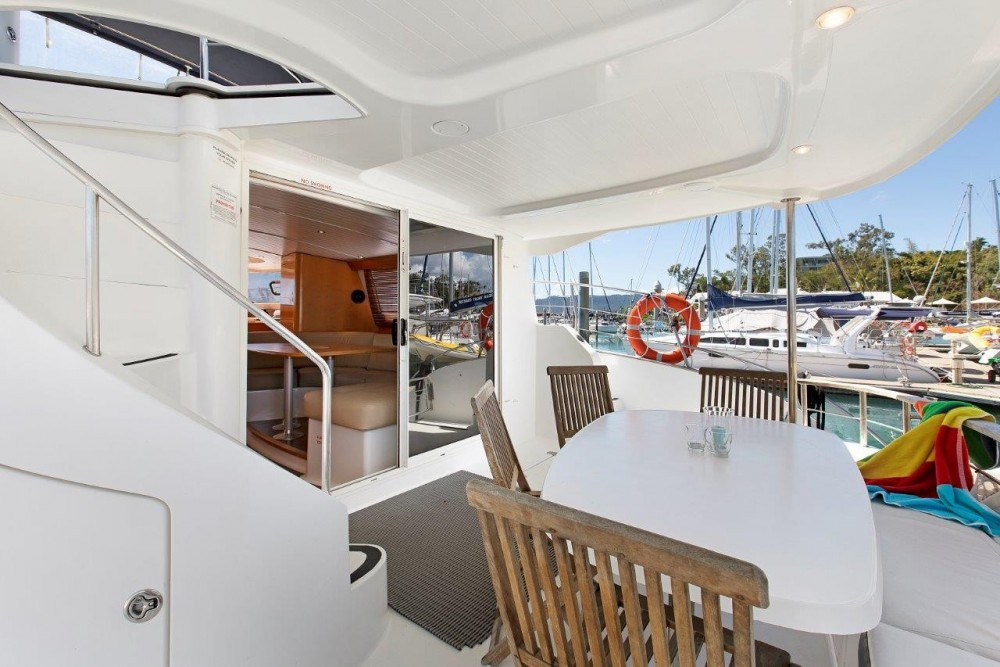 Boat rental Fountaine Pajot Cumberland 46 in Airlie Beach on Samboat