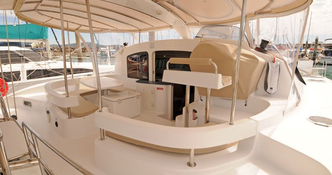 Boat rental Fountaine Pajot Lavezzi 40 in Airlie Beach on Samboat