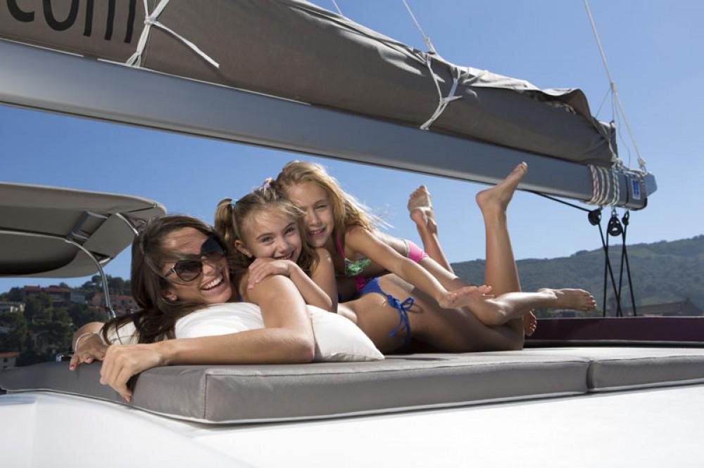 Rental Catamaran in Noumea - Catana Bali 4.5