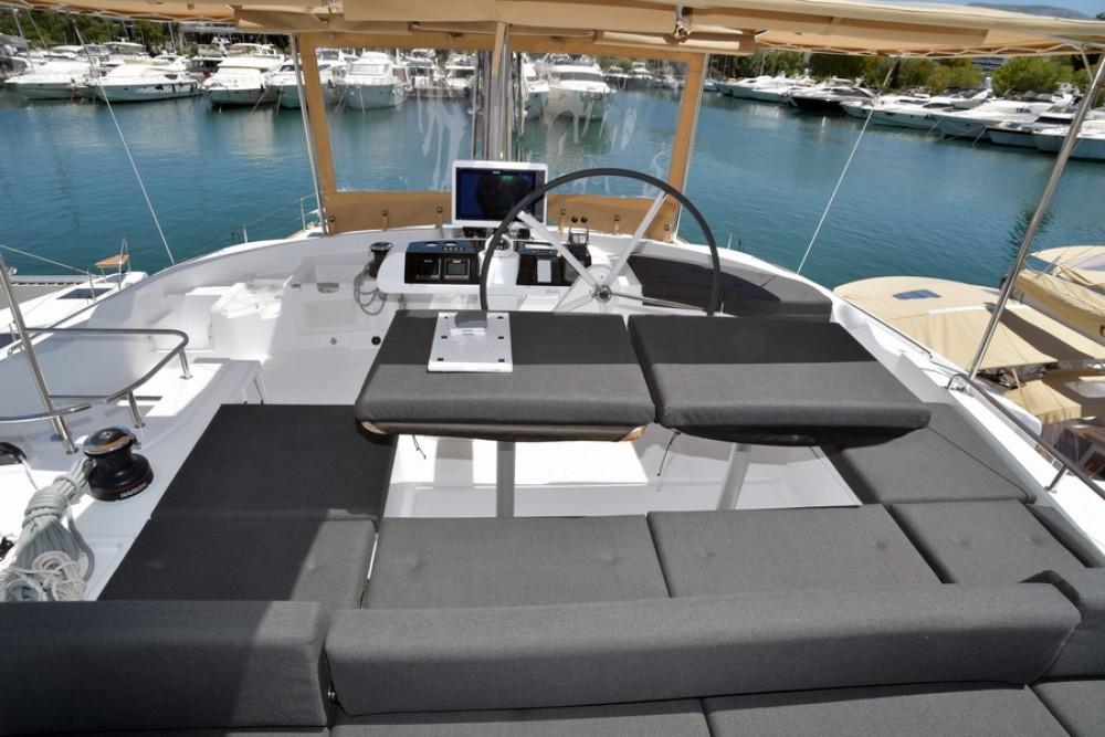 Rental Catamaran in Noumea - Lagoon Lagoon 52