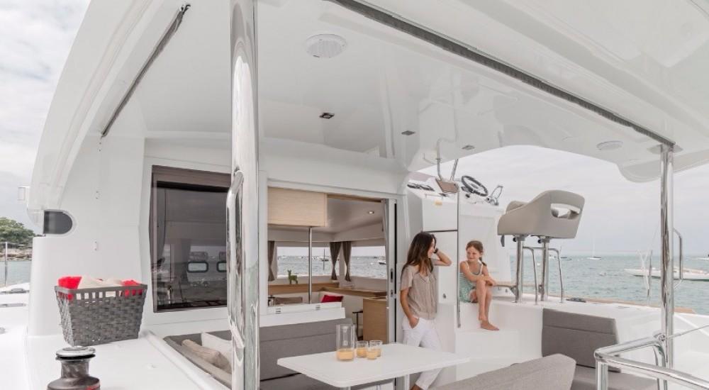 Rental yacht Nouméa - Lagoon Lagoon 40 Power Catamaran on SamBoat