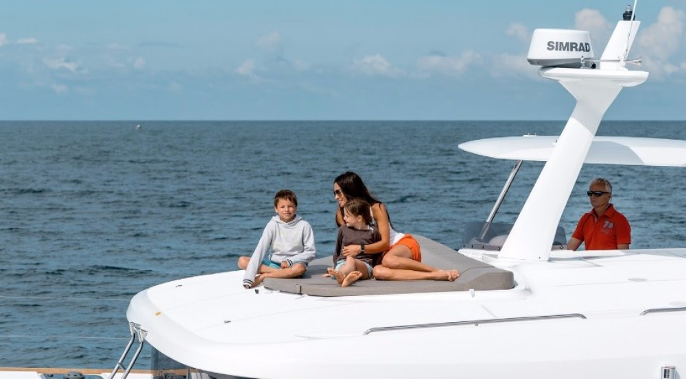 Hire Catamaran with or without skipper Lagoon Nouméa