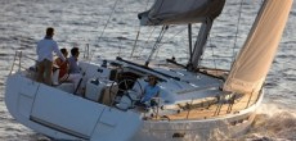 Sailboat for rent Noumea at the best price