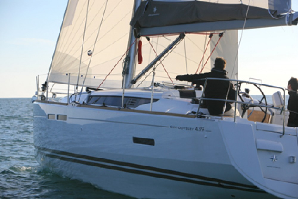Rental yacht Papeete - Jeanneau Sun Odyssey 439 on SamBoat