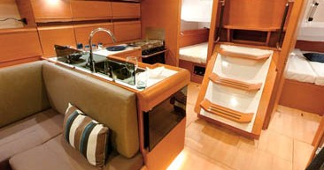 Hire Sailboat with or without skipper Jeanneau Papeete