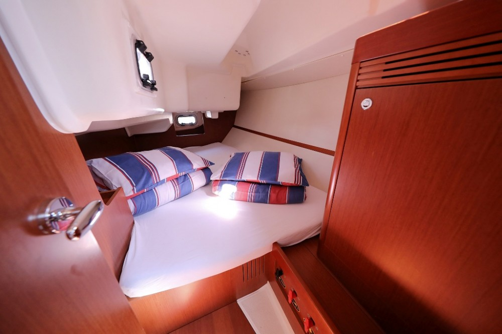 Boat rental Croatia cheap Oceanis 34