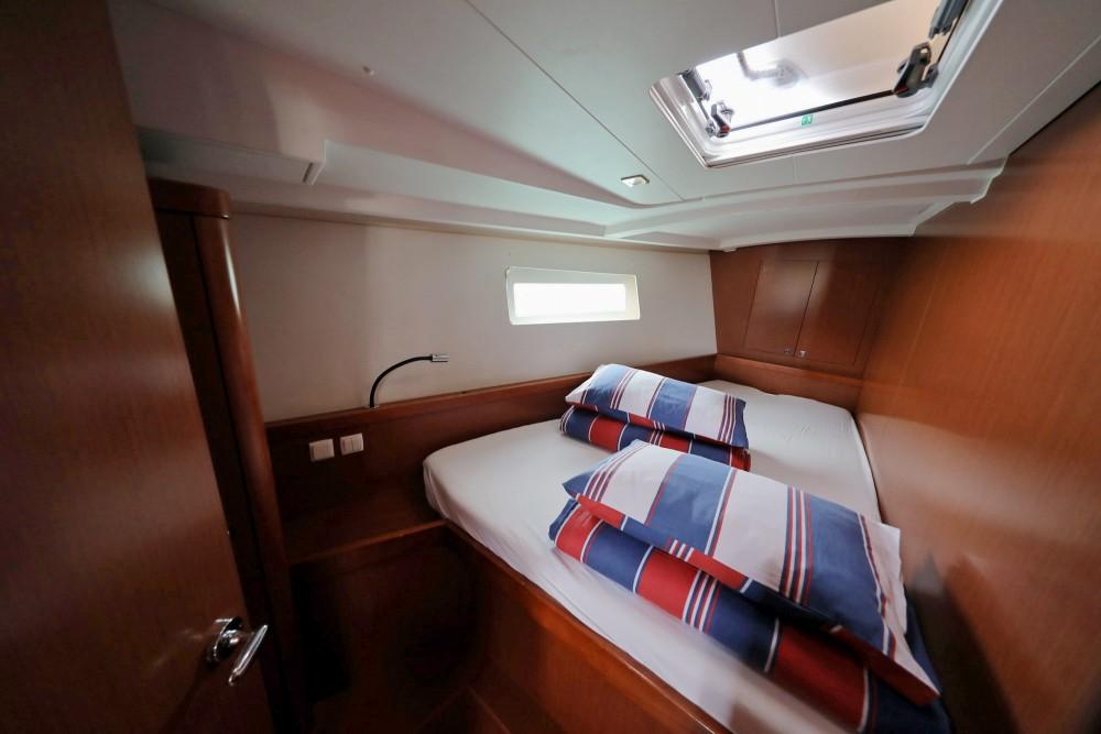 Boat rental Bénéteau Oceanis 45 in Općina Sukošan on Samboat