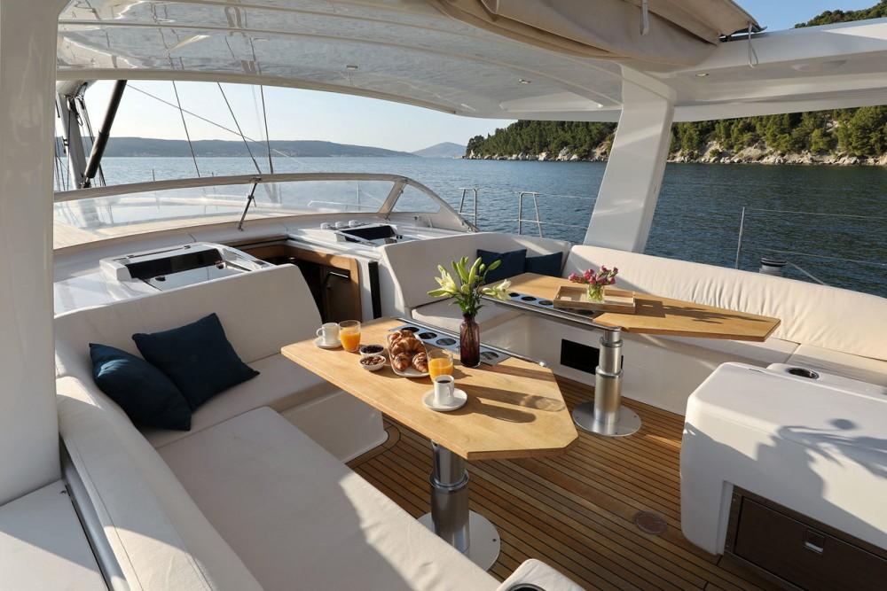 Boat rental Hanse Hanse 675 - 3 cab. in Croatia on Samboat