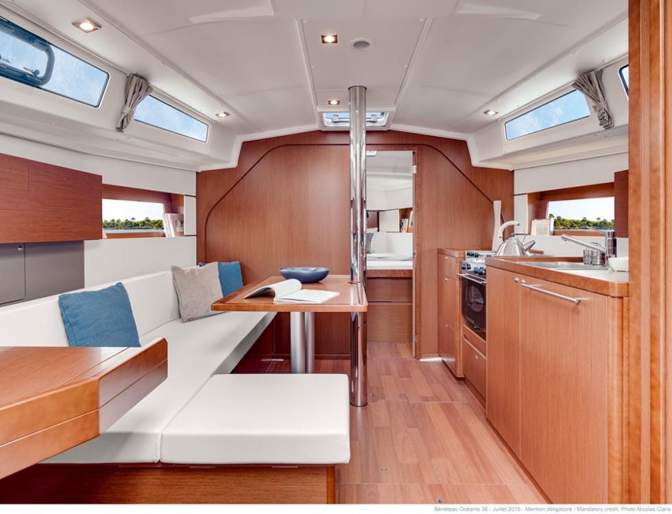 Boat rental Bénéteau Oceanis 38 in Croatia on Samboat