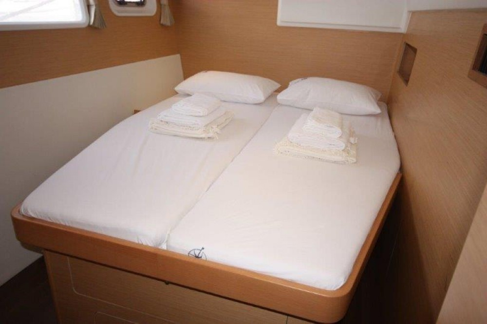 Rental Catamaran in Phuket - Lagoon Lagoon 400