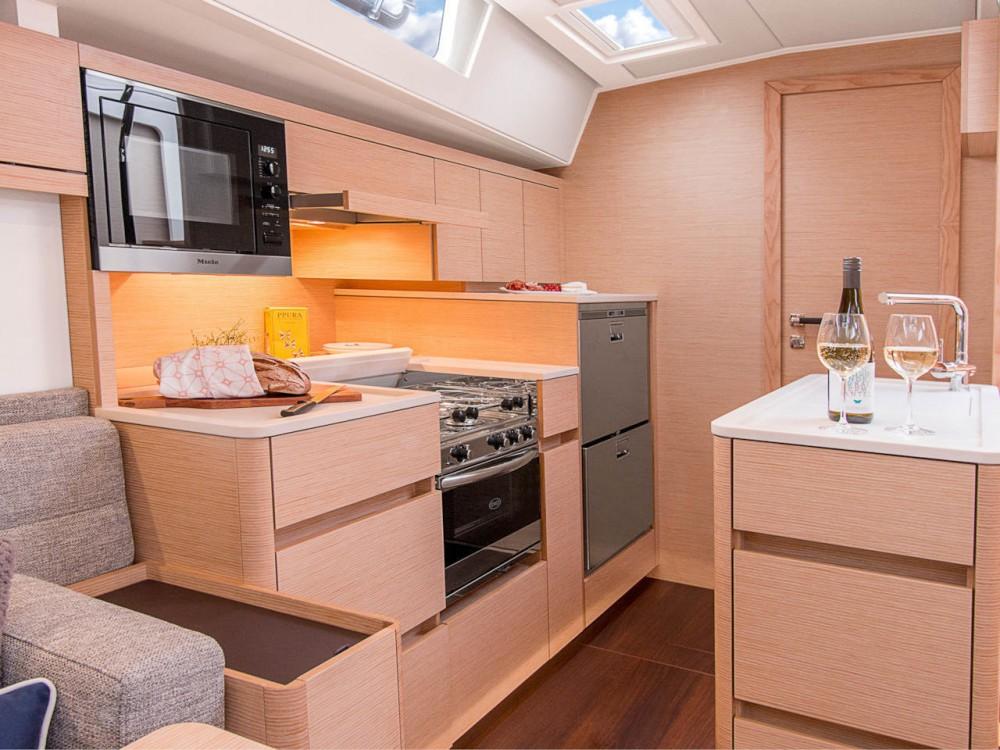 Rental Sailboat in Croatia - Hanse Hanse 548