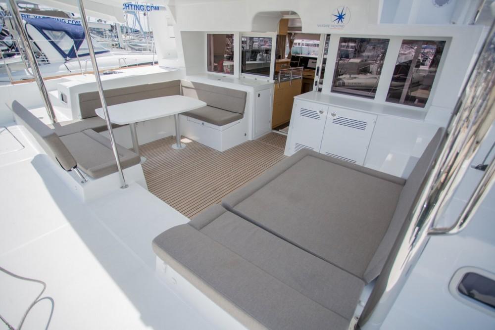 Boat rental Lagoon Lagoon 450 F - 4 + 2 cab. in Balearic Islands on Samboat