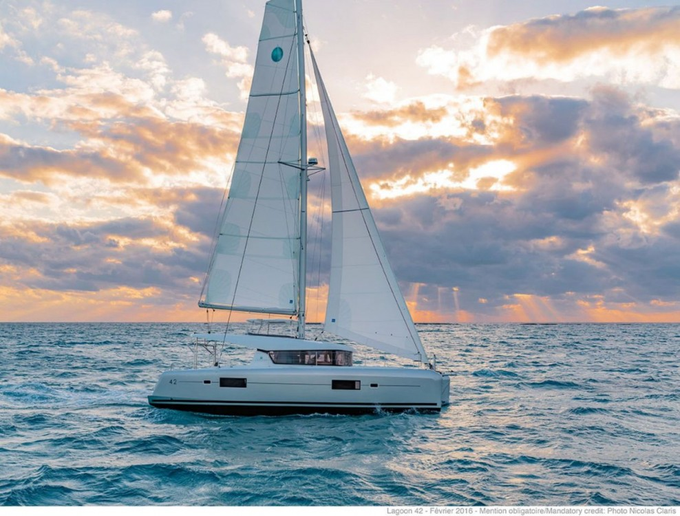 Catamaran for rent Islas Baleares at the best price