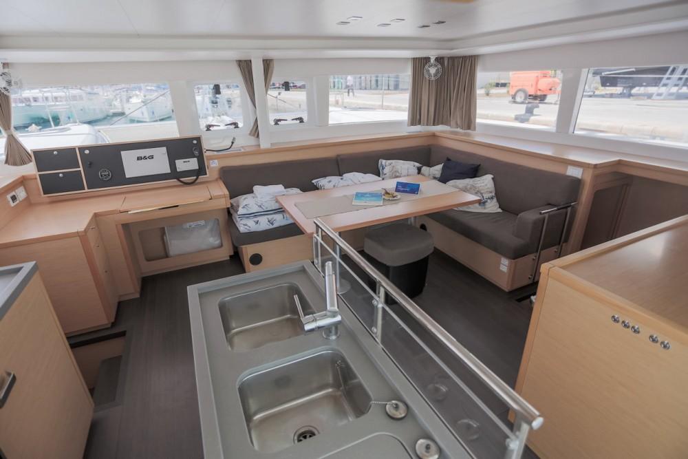 Boat rental  cheap Lagoon 450 F - 4 + 2 cab.