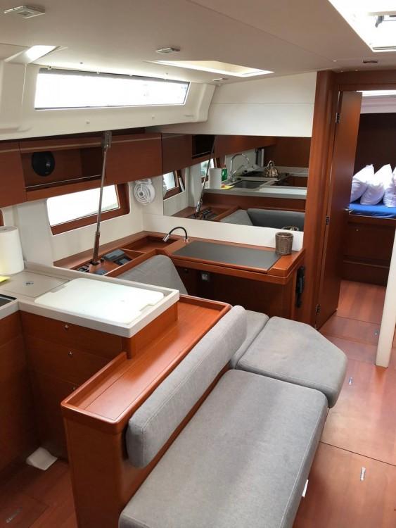Boat rental Bénéteau Oceanis 51.1 in Péloponnèse on Samboat