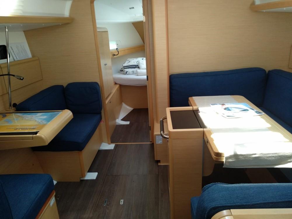 Rental yacht  - Jeanneau Sun Odyssey 419 on SamBoat
