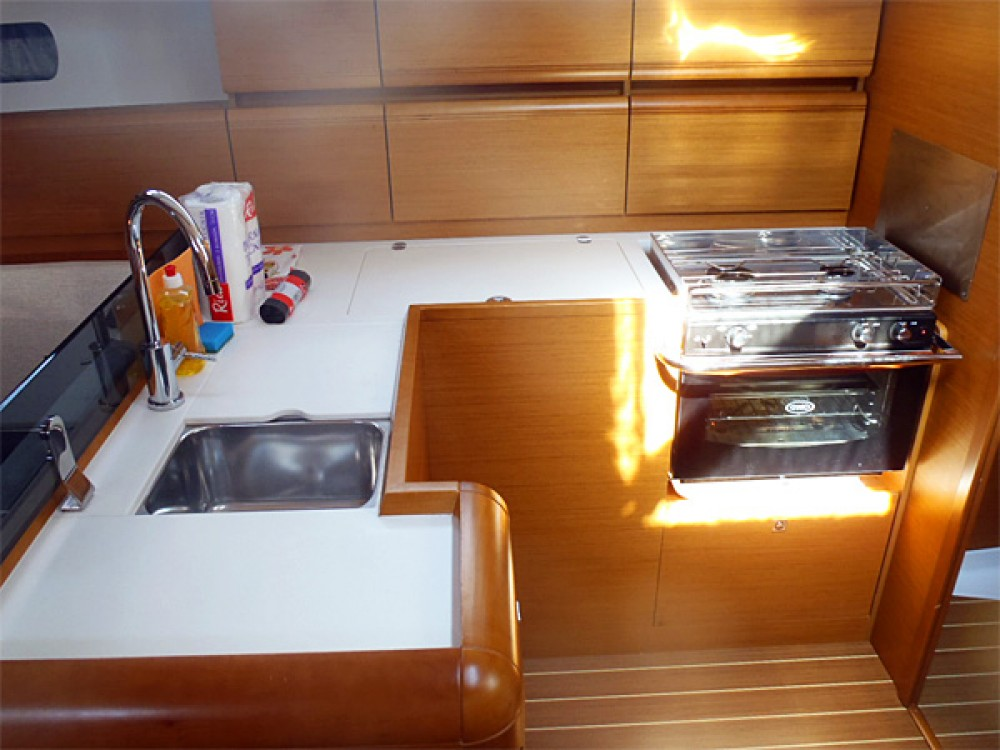 Jeanneau Sun Odyssey 439 between personal and professional Sweden