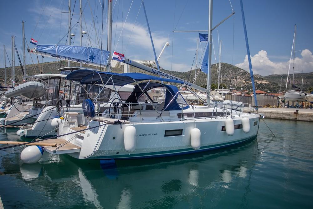 Boat rental Jeanneau Sun Odyssey 440 in Seget Donji on Samboat