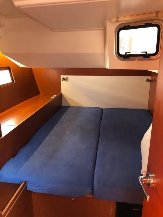 Rental yacht Péloponnèse - Bénéteau Oceanis 51.1 on SamBoat