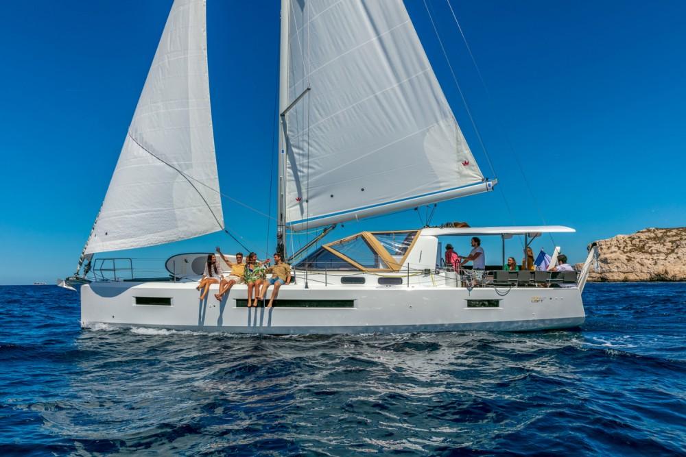 Rental Sailboat in Tortola - Jeanneau Sun Loft 47 - 6+1 cab.