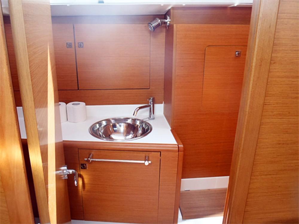 Rental yacht Sweden - Jeanneau Sun Odyssey 439 on SamBoat