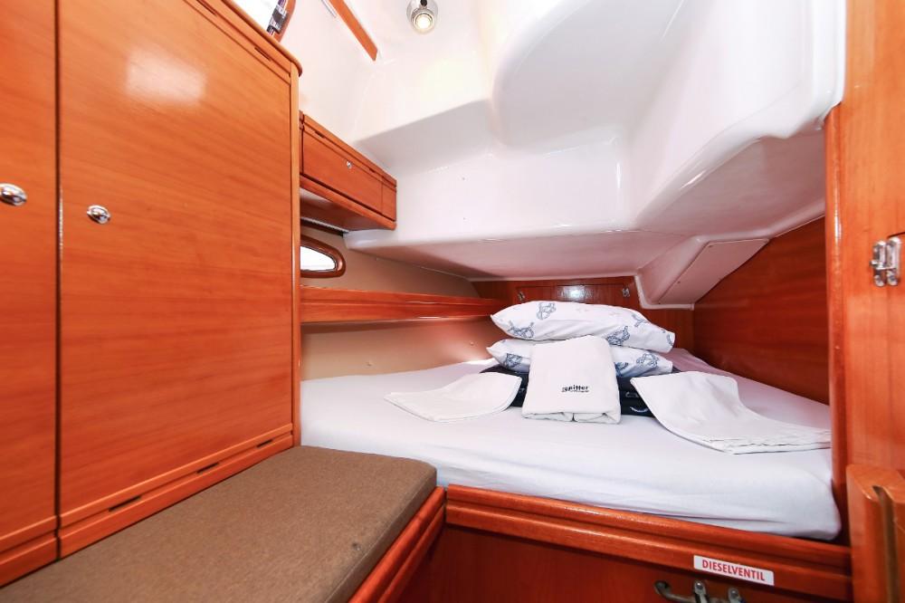 Rental yacht Pula - Bavaria Cruiser 39 on SamBoat