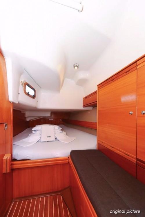 Rental Sailboat in Grad Pula - Bavaria Bavaria 40 Vision