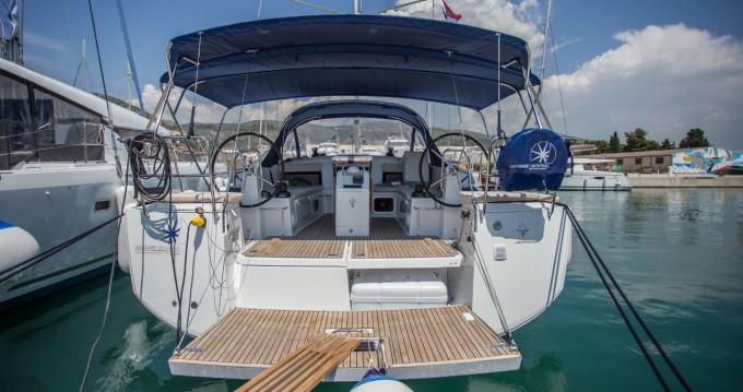 Boat rental Athens cheap Sun Odyssey 440