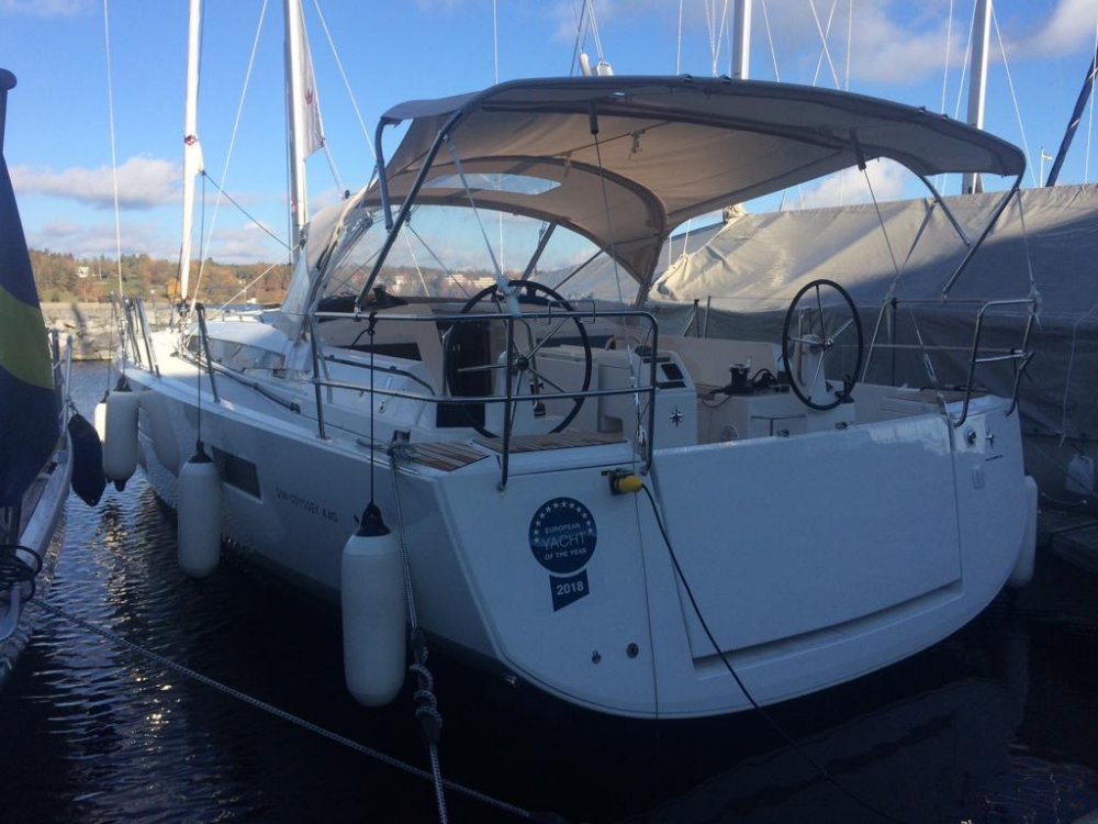 Boat rental Comté de Stockholm cheap Sun Odyssey 440 - 3 cab.
